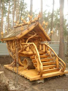 Home Improvement Tips For The Everyday Homeowner. Woodworking Images, Woodworking School, Woodworking Books, Teds Woodworking, Woodworking Projects, Cool Tree Houses, Tree House Designs, Into The Woods, Log Furniture
