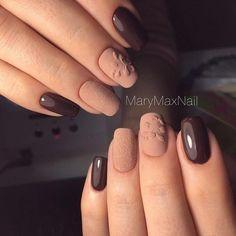 Маникюр №1751 - самые красивые фото маникюра. Рисунки дизайна ногтей на любой вкус. Покажи их подругам сейчас!