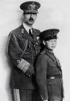 Portrait Around 19301931 Of King Carol Ii Of Romania With His Son Prince Michael Deposed From The Throne By His Father In 1930 To Pursue His Studies. Romanian Royal Family, Romanian Flag, Michael I Of Romania, Royal Throne, Princess Alexandra, Royal Weddings, Kaiser, Queen Victoria, Queen Elizabeth Ii