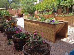 Wheelchair Accessible Gardens by Gardens for HumanityUniversal Design Style Garden Mum, Sensory Garden, Raised Garden Beds, Raised Bed, Edible Garden, Garden Planning, Garden Inspiration, Garden Ideas, Horticulture