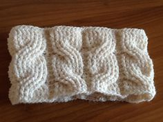 Crochet cable stitch - who'da thunk it!  Free pattern here (might have to join Ravelry, but that's free, too)