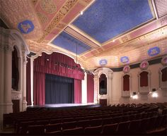 The 1,100 seat Paramount Theatre, built in 1929 and located in downtown Middletown, NY chose Rose Brand to fabricate its house and stage drapes during its recent restoration.
