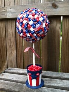 1000 images about veterans day decor on pinterest for Patriotic welcome home decorations