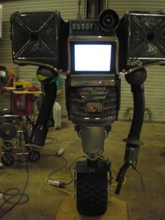 Real life securitron #Fallout via Reddit user TheCowsRComing
