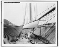 Shamrock III in dry dock [at Erie Basin], Aug. 17, 1903