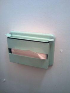 Old fashioned toilet tissue Retro 2, Retro Vintage, Childhood Toys, Childhood Memories, Toilet Paper Dispenser, Socialism, Floating Nightstand, Fun, Sweet