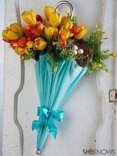 DIY flower-filled umbrella for Easter by Jill Bauer on SheKnows Diy Flowers, Spring Flowers, Umbrella Wreath, Holiday Wreaths, Holiday Decor, Parasols, Arte Floral, Spring Crafts, Floral Arrangements