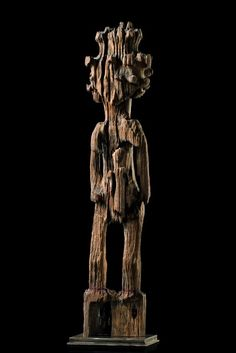 "madagascar part of an ""aloala"" funeral post, which usually have a height of two, up to four meters, and which used to be placed on the ""valavato"", the funeral area of distinguished clans. The restless souls of the diceased inhabited the ""aloalas"". They could be calmed down and honoured by sacrifices."