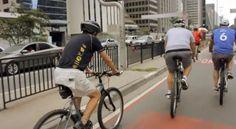 Andar de bicicleta ninguém esquece, não é mesmo? E é por isso que o Andando Por SP foi passear na Ciclofaixa da Avenida Paulista, uma recente opção de lazer que vem fazendo muito sucesso na capital.