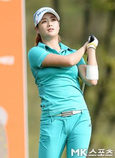 Most almost daily, people seem to assume that golf is often a man's sport and unfortunately, which means that finding ladies golf clothes isn't as easy as Girl Golf Outfit, Cute Golf Outfit, Girls Golf, Ladies Golf, Caddy Girls, Golf Betting, Golf Magazine, Sexy Golf, Beautiful Japanese Girl