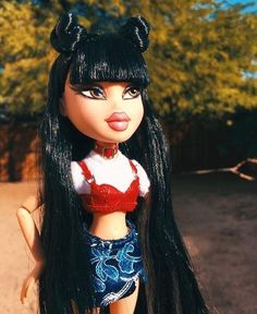 """Learn more information on """"bratz dolls"""". Look at our website. Bratz Doll Makeup, Bratz Doll Outfits, Bad Girl Aesthetic, Aesthetic Clothes, Black Bratz Doll, Jade, Bratz Girls, Brat Doll, Divas"""