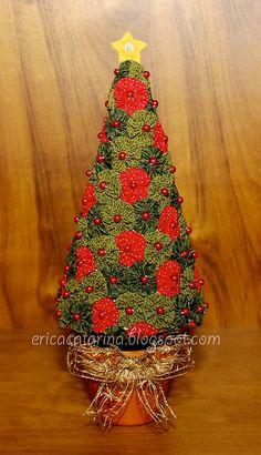Christmas Tree Quilt, Christmas Tea, Christmas Sewing, Christmas Angels, Christmas Holidays, Xmas Tree, Christmas Crafts To Make, Diy Christmas Ornaments, Homemade Christmas
