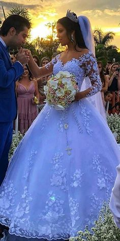 Charming Tulle Jewel Neckline Ball Gown Wedding Dresses With Beadings & Lace Appliques - Besonderes - Hochzeitskleid Wedding Dress Tea Length, Top Wedding Dresses, Wedding Dress Trends, Princess Wedding Dresses, Bridal Dresses, Wedding Gowns, Bridesmaid Dresses, Tulle Wedding, Ballroom Wedding