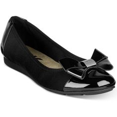 Anne Klein Alina Flats ($70) ❤ liked on Polyvore featuring shoes, flats, black, flat shoes, anne klein shoes, anne klein flats, shiny black shoes and flat pumps