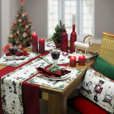 ber ideen zu weihnachtstische auf pinterest weihnachtliche tischdekoration. Black Bedroom Furniture Sets. Home Design Ideas
