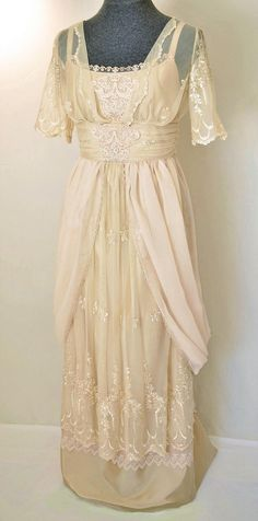 Items similar to Edwardian Wedding Dress Lace Wedding Dress Victorian Wedding Gown Titanic Dress Embroidered Lace Custom Orders Only! on Etsy Vintage Outfits, Vintage Gowns, Vintage Mode, Dress Vintage, Vintage Clothing, Titanic Dress, Edwardian Dress, Edwardian Fashion, Vintage Fashion