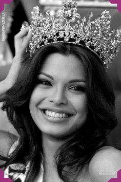 Mariángel Ruiz. Miss Aragua 2002. Miss Venezuela 2002  En el Miss Universo 2003, obtuvo el título de primera finalista.