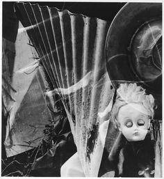 It's just kind of really creepy :Imogen Cunningham-Discarded, 1972 Ellen Von Unwerth, Vivian Maier, Annie Leibovitz, Messina, Skinny Puppy, Imogen Cunningham, Multiple Exposure, Art Courses, Daguerreotype