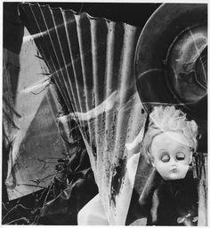 It's just kind of really creepy :Imogen Cunningham-Discarded, 1972 Ellen Von Unwerth, Vivian Maier, Annie Leibovitz, Skinny Puppy, Imogen Cunningham, Multiple Exposure, Art Courses, Daguerreotype, Creepy Dolls