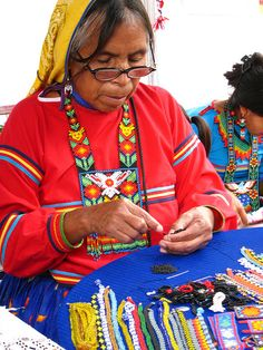 Artesana huichol by Arantxata, via Flickr
