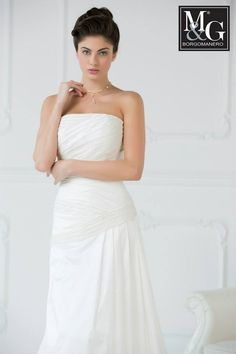 Abito da sposa in taffeta' di seta e pizzo ricamato a mano  Silk taffetà wedding dress  Couture collection mod. 017 - really made in Italy