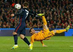 Messi levantó al estadio con una chilena que salió fuera - Getty Images / Reuters