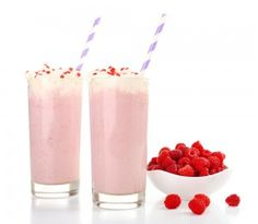Protein Raspberry Pomegranate and Walnut Smoothie