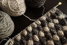 Tee-se-itse-naisen sisustusblogi: Bubble Knit Pillow Cover 50 x 50 cm. #diypillowcoverscrochet