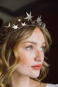 star tiara, celestial crown, wedding headpiece, bridal tiara, hair accessory You will find different rumors about the real history of … Bridal Hair Tiara, Headpiece Wedding, Wedding Veils, Bridal Headpieces, Wedding Crowns, Wedding Jewelry, Tiara Hairstyles, Wedding Hairstyles, Blond