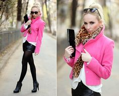 United Colors Of Benetton Jacket, Zara Blouse, Bershka Shorts, H&M Scarf, Aldo Boots