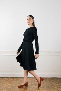 a0d156876b58 Top noir manche longue femme - Made in France .En crêpe de laine noire.