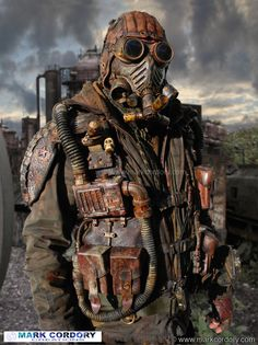 Post Apocalyptic LARP costume. Alternative filter unit. Mark Cordory Creations. www.markcordory.com
