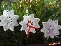 Háčkovaná vločka hvězdička vánoční ozdoba