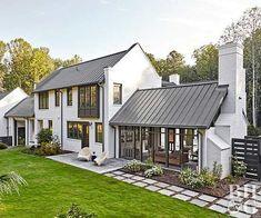 Simple Modern Farmhouse Exterior Design Ideas 03