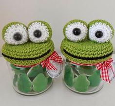 Bizzy Bee Klaske: what a cute crochet frog jar topper for gifting Crochet Frog, Crochet Amigurumi, Love Crochet, Beautiful Crochet, Crochet Dolls, Knit Crochet, Crochet Kitchen, Crochet Home, Crochet Gifts