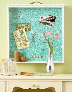 alte schubladen Pinnwand mit Musterpapier verziert