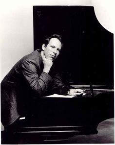 So Hans Zimmer is pretty much amazing... he composed the music for Batman Begins, The Dark Knight, the 2-4 Pirates of the Caribbean movies, Gladiator, Inception, and the Lion King (among many others) :)