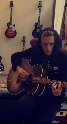 Jace Wayland, Jamie Campbell Bower, Personal Style, Crushes, Guitar, Singer, Artists, God, Funny
