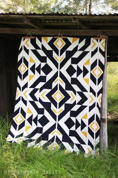 Love the bold patterns in this quilt! Nightingale Quilts: NEW FREE PATTERN: Bravo Indigo Quilt