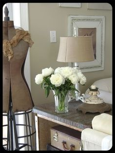 Paint -- latte by Restoration Hardware -- foto from blogger of http://sweetpeahome.blogspot.com/2010/12/january-2011-cottage-of-month.html ~~~