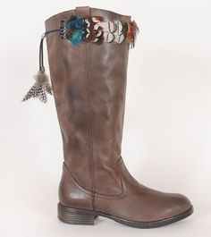 Love the multi-colored feathers on BootDazzle Lori. A must have if you like a little flare!