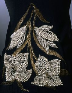 Elsa Schiaparelli Haute Couture evening dress, A bold embroidered spray of lilies by the House of Lesage. Pearl Embroidery, Tambour Embroidery, Couture Embroidery, Embroidery Patterns, Hand Embroidery, Couture Details, Fashion Details, Tambour Beading, Elsa Schiaparelli