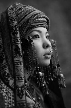 mondfaenger:   Kazakhstan girl  Photo by Sasha Gusov