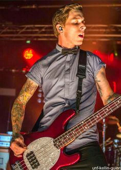I'm pinning this cuz it looks like it was taken at the salt lake concert. He's wearing the same clothes, and the sws lights are in the background :)