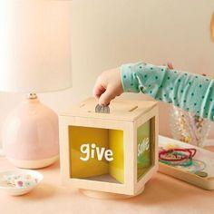 Cool Gifts, Diy Gifts, Melted Crayon Crafts, Money Saving Box, Melting Crayons, Shop Plans, Arya, Baby Birthday, Pallet Furniture