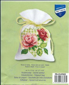 Small Cross Stitch, Cross Stitch Kitchen, Cross Stitch Heart, Cross Stitch Cards, Cross Stitch Flowers, Cross Stitching, Rose Embroidery, Cross Stitch Embroidery, Cross Stitch Patterns