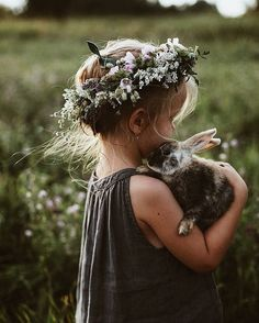 Cute little girl in a boho flower crown with bunny / children's photography Cute Kids, Cute Babies, Baby Kids, Foto Baby, Beltane, Belle Photo, Future Baby, Children Photography, Sweets Photography