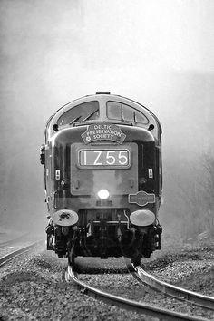 ˚Head On - British Rail Class 55 Deltic No. D9009