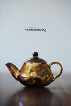 Tea Pots, Pottery, Tableware, Ceramica, Dinnerware, Pottery Marks, Tablewares, Tea Pot, Ceramic Pottery