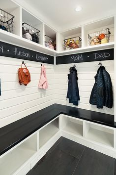 13 Mudroom Design ideas - Diy & Decor Selections 27 Mudroom Ideas to Get Your Ready for Fall Season Mudroom bench Small Mudroom ideas entryway Mudroom organization Mudroom Laundry Room, Mudroom Cubbies, Mud Room Lockers, Mudrooms With Laundry, Mudroom Benches, Storage Benches, Regal Design, Rustic Design, Home Projects